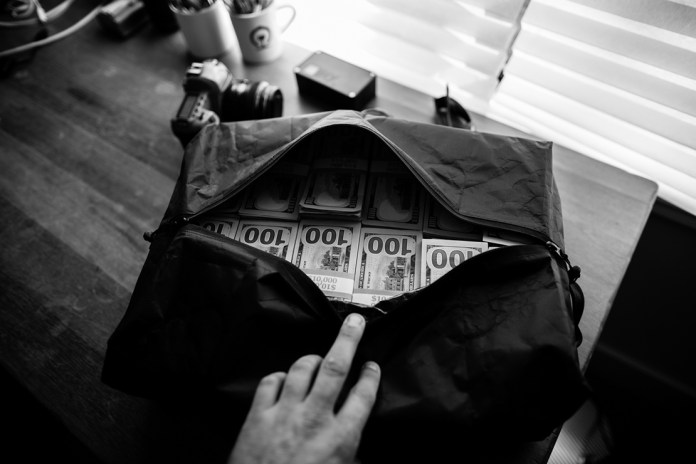 SDR Traveller Drops the Perfect Bag for Hauling $1 Million USD in Cash