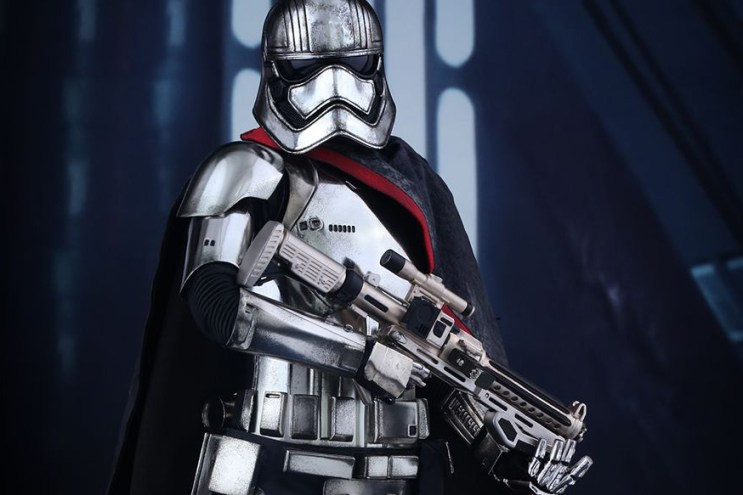 Hot Toys 'Star Wars' Captain Phasma Collectible Figure