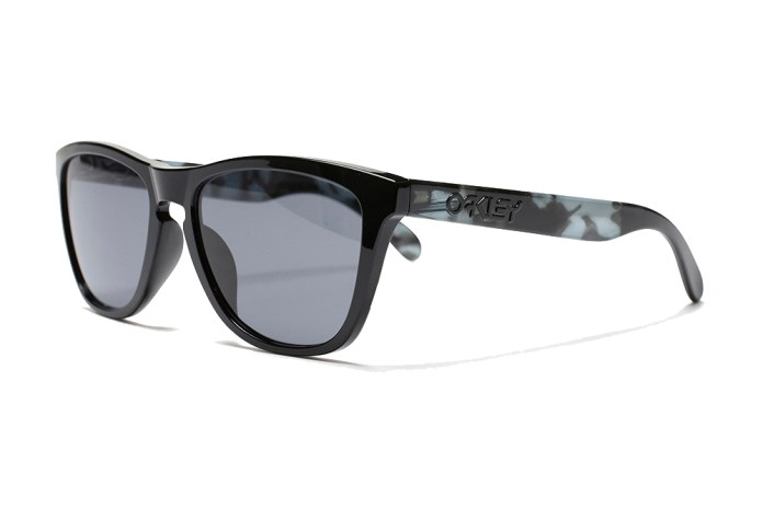 "the POOL aoyama Drops a Second Pair of ""MELANISM"" Oakley Frogskins"