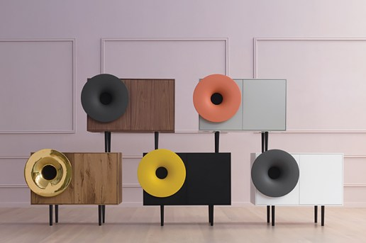 """These """"Caruso"""" Cabinet Speakers Provide a Nostalgic Aesthetic With a Digital Sound"""
