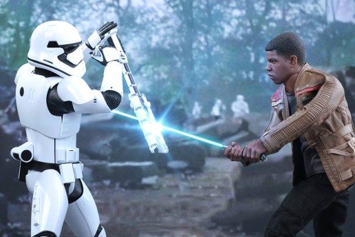 Hot Toys 'Star Wars' Finn & First Order Riot Control Stormtrooper Collectible Figures