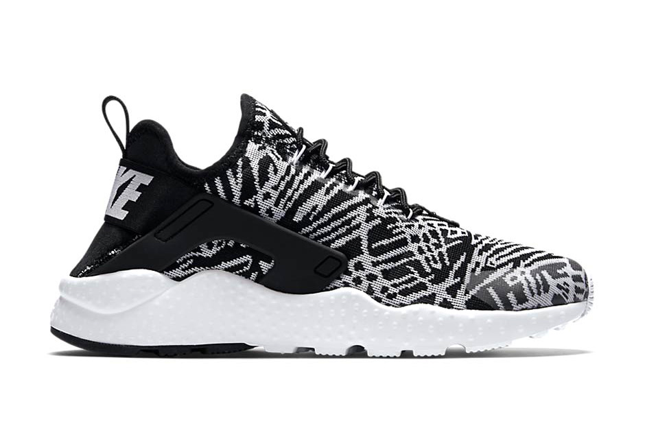 These New Nike Huarache Sneakers Look Oddly Similar to the Yeezy Boost 350 Low