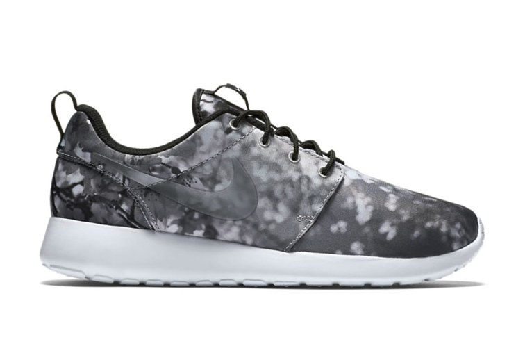 Nike Takes Inspiration From Okinawa's Cherry Blossoms for Latest Roshe One