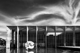Haruo Mikami's Photographic Vision of Oscar Niemeyer's Brasilia