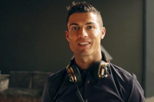 Cristiano Ronaldo Composes a Little Holiday Jingle