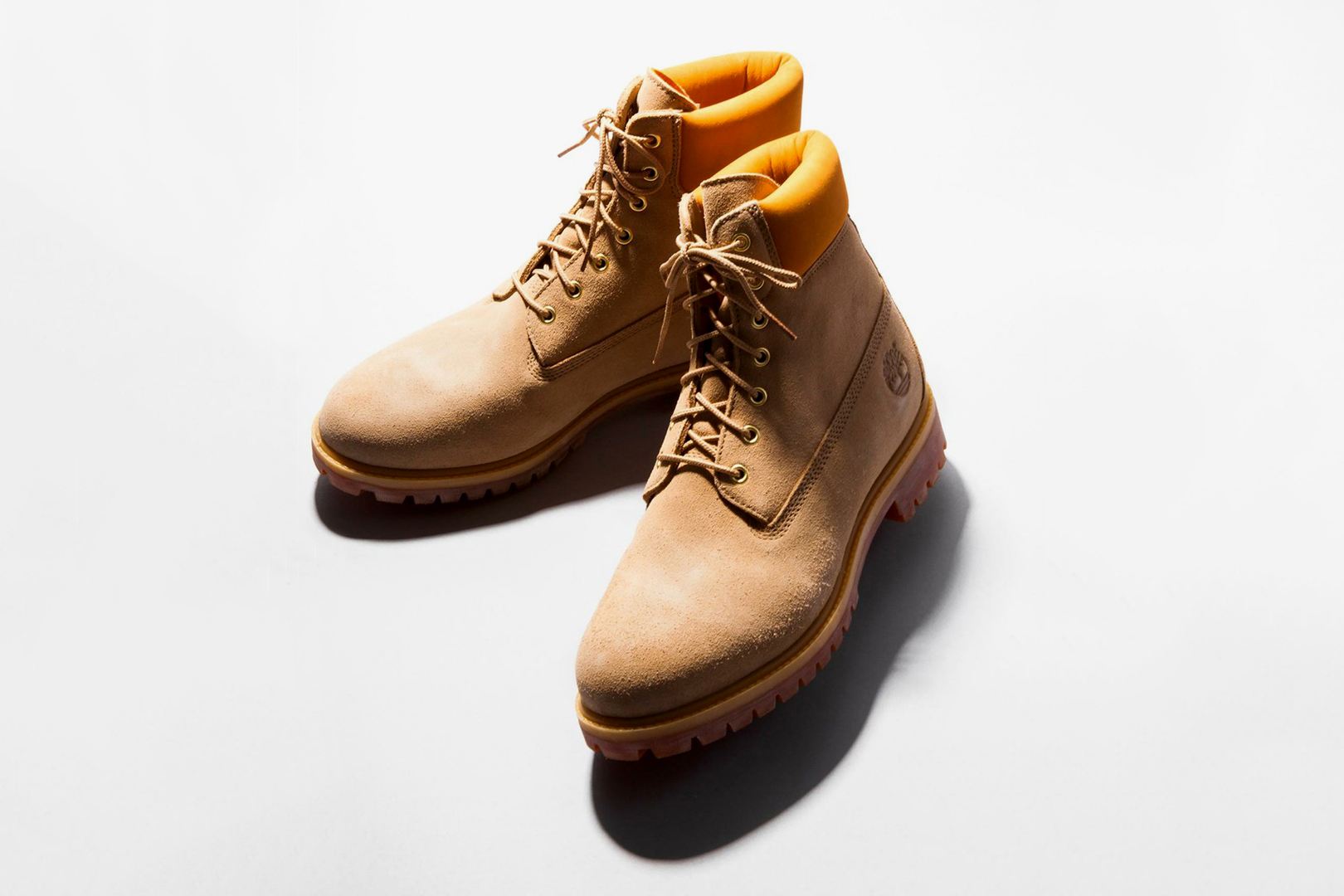"BEAUTY & YOUTH UNITED ARROWS x Timberland ""Sand Beige Suede"" 6-Inch Boot"