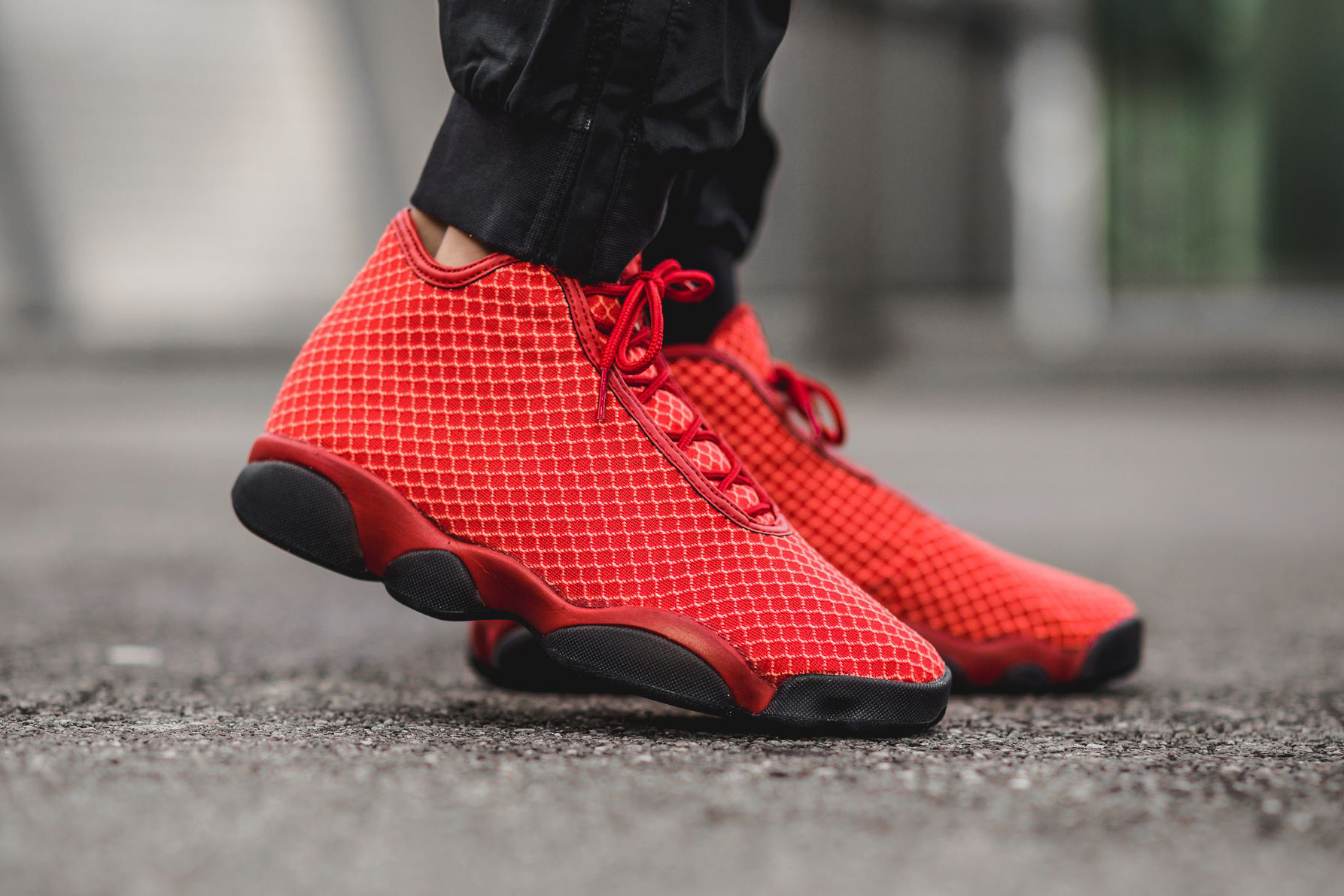 "Air Jordan Horizon ""Gym Red"""