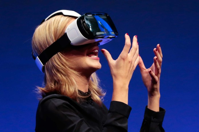 This Startup Wants to Make Virtual Reality Less Lonely