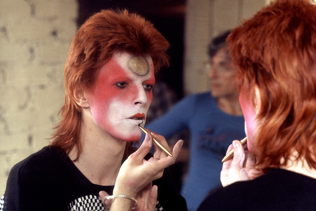 5 David Bowie Tributes at London Collections: Men