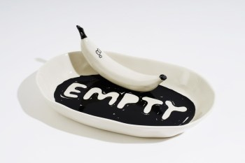 Artist Stefan Marx Created a Friend for This Empty Fruitbowl