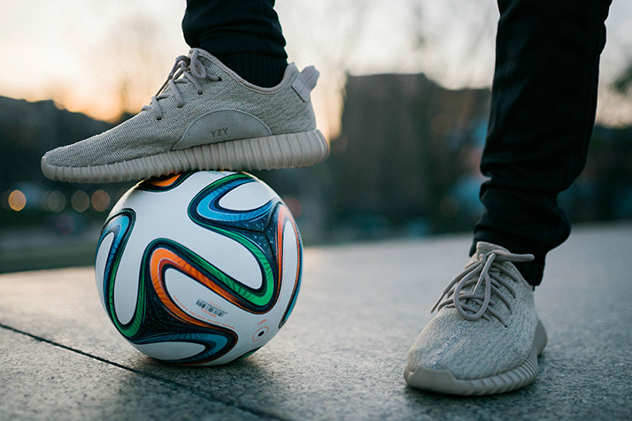 """Freestyle Footballer Shows off His Skills Wearing the Yeezy Boost 350 """"Oxford Tan"""""""