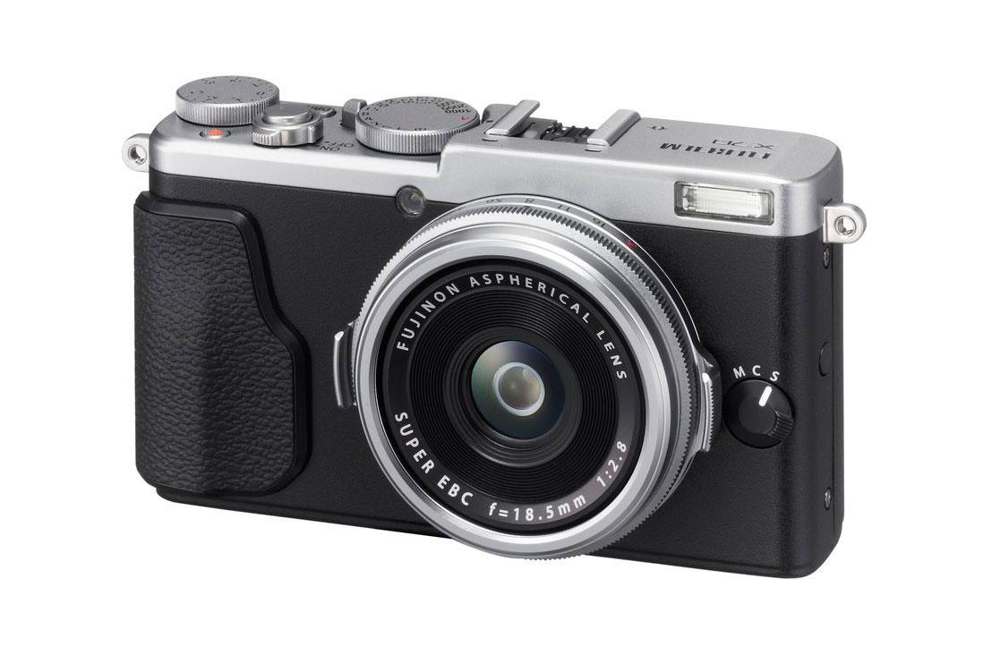 Fujifilm Unveils the Compact, Retro-Styled X70