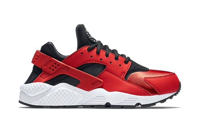 "The Nike Air Huarache Has Officially Channeled the ""Bred"" Colorway"
