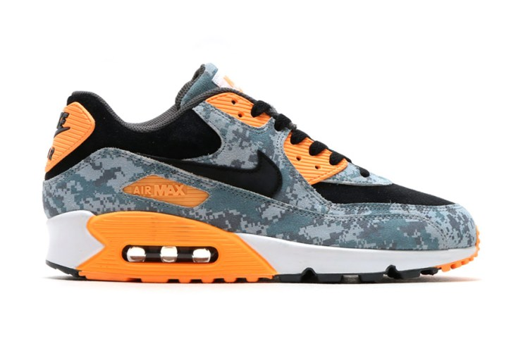 """Nike Brings """"Blue Fox"""" Camouflage to the Air Max 90 """"Infrared"""""""