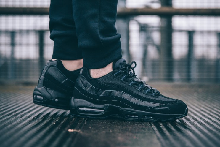"Nike Brings Back the Air Max 95 ""Triple Black"""