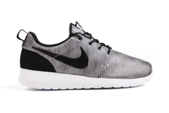 "Nike Roshe One Premium Plus ""White/Black"""
