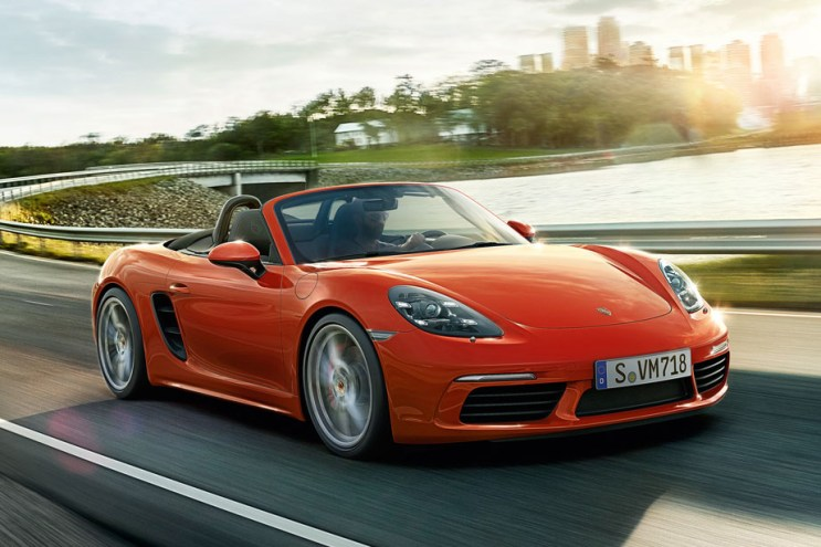 Porsche Officially Welcomes Back the 718
