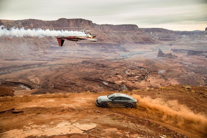 """8 Disciplines of Flight Converge Over Moab for Red Bull's """"Chain Reaction"""""""