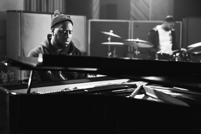 Jazz Pianist Robert Glasper Pays Tribute to Kobe Bryant