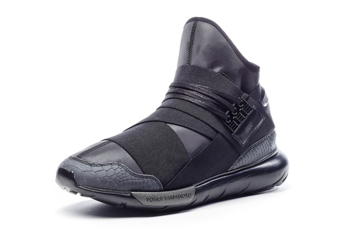 Y-3 Introduces a Super Limited Reflective Qasa