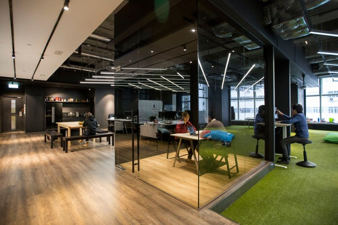 9GAG's Hong Kong Office Brings The Outside In