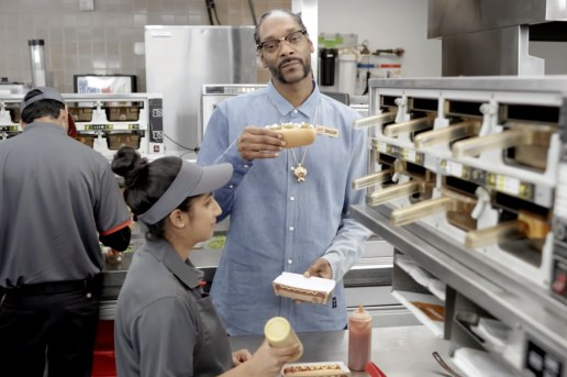 "Burger King Enlists Snoop Dogg for Hilarious ""Grilled Dogs"" Training Video"
