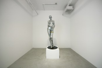 "Hajime Sorayama ""An Actress Is Not a Machine, but They Treat You Like a Machine"" Exhibition @ NANZUKA Gallery"