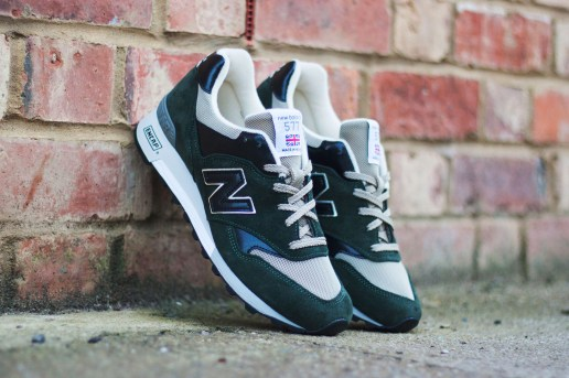 "New Balance M577 ""Dark Green Suede"""