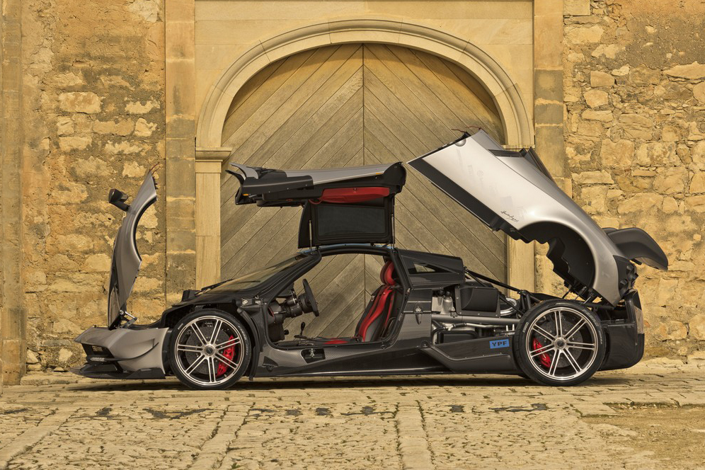 Pagani Unveils the Souped-up 789 Horsepower Huayra BC