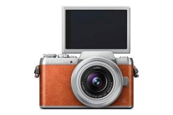 The Panasonic Lumix GF8 Is Selfie-Friendly