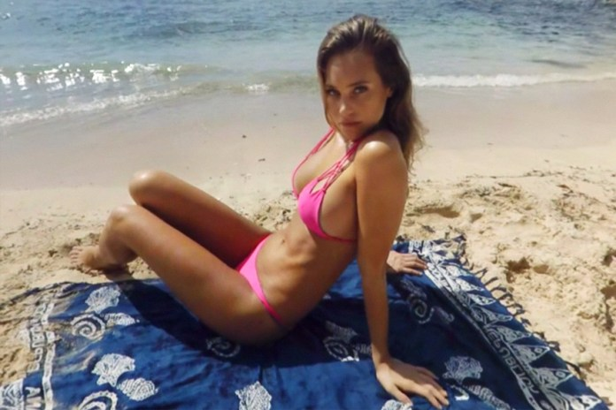 Head to the Beach in Virtual Reality With These 'Sports Illustrated Swimsuit Issue' Models