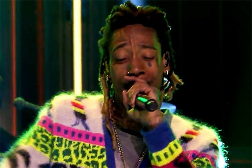 "Wiz Khalifa Performs Travis Scott-Featured ""Bake Sale"""