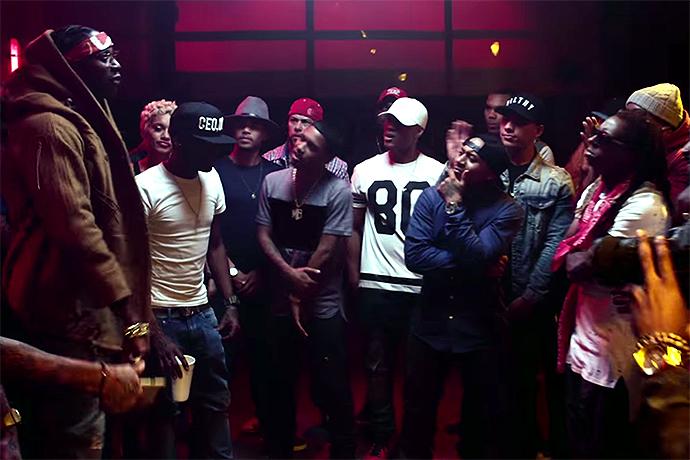 "2 Chainz Battles Lil Wayne in ""Bounce"" Video"