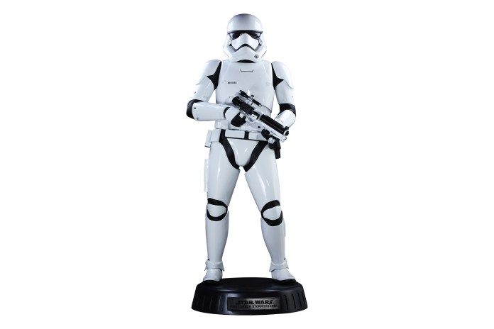 Hot Toys Releases a Life-Sized, $8,000 USD 'Star Wars' Stormtrooper Model