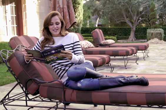 "Jennifer Garner Reads Classic Bedtime Story ""Go the F*ck to Sleep"""