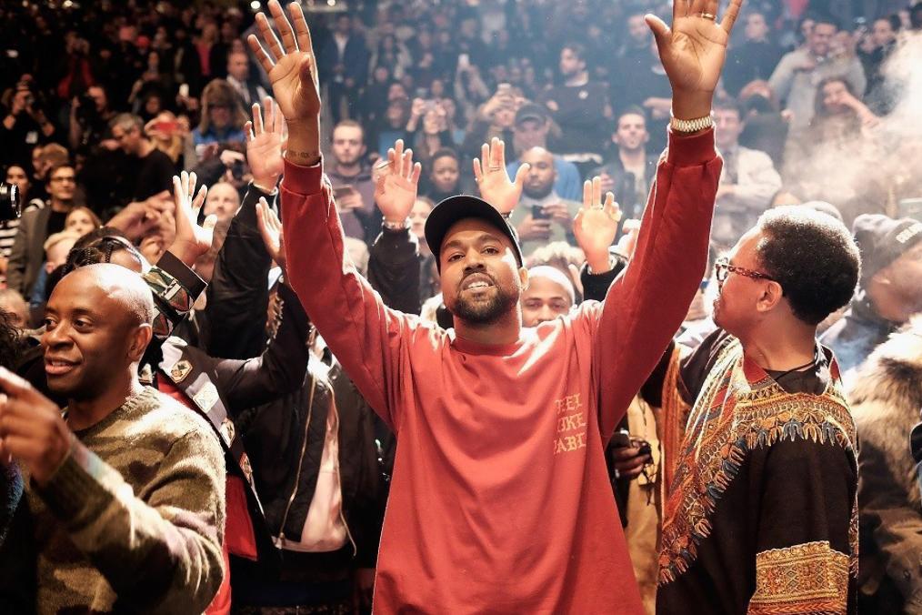 "Kanye West Drops ""Ultralight Prayer"" Track"
