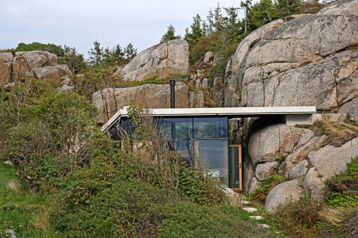This Small Summer Cabin in Norway Is a Beautiful Extension of Its Natural Surroundings