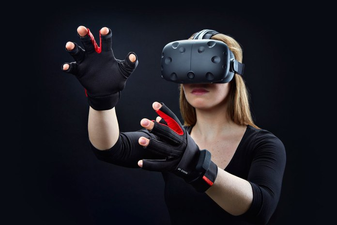The Manus VR Glove Gives Players a Hands-On Virtual Reality Experience