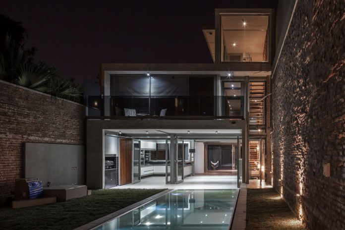 The Mercedes House in Argentina Blends Brick, Concrete and Metal Harmoniously