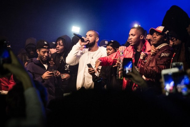 "Drake Is Featured in Section Boyz's Video for ""Dig Dat"""