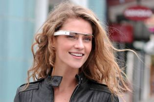 Snapchat May Be Developing Its Own Smart Glasses