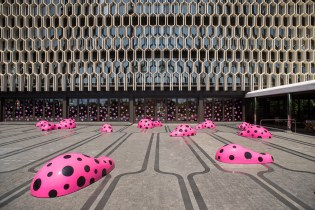 "Yayoi Kusama Debuts ""Footprints of Life"" in Hawaii"