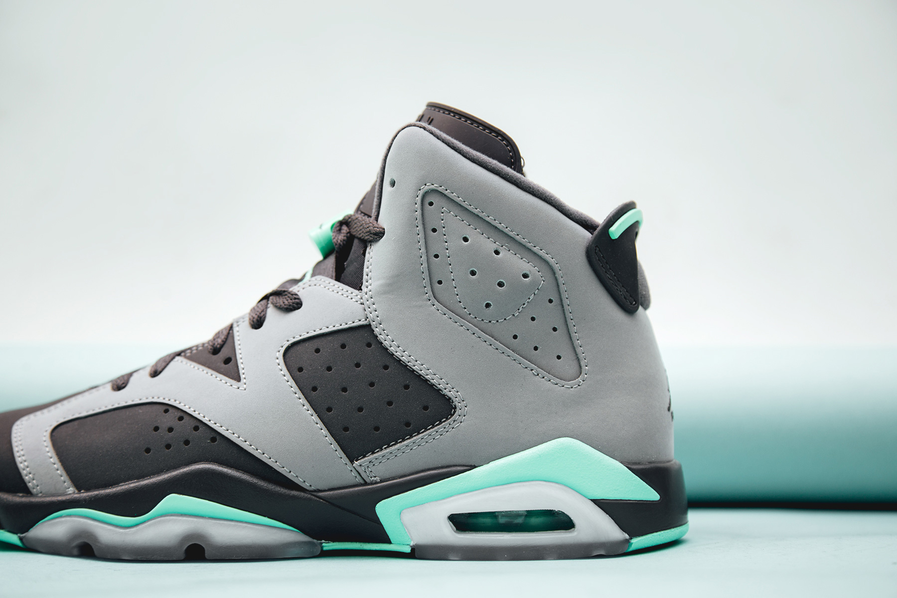 new product e7dba 4b52c air jordan retro 6 womens grey mint green