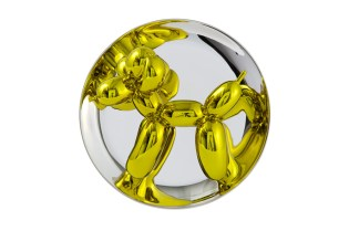 Jeff Koons' 'Balloon Dog' Plate Is the Perfect Birthday Gift for the Art Lover in Your Life
