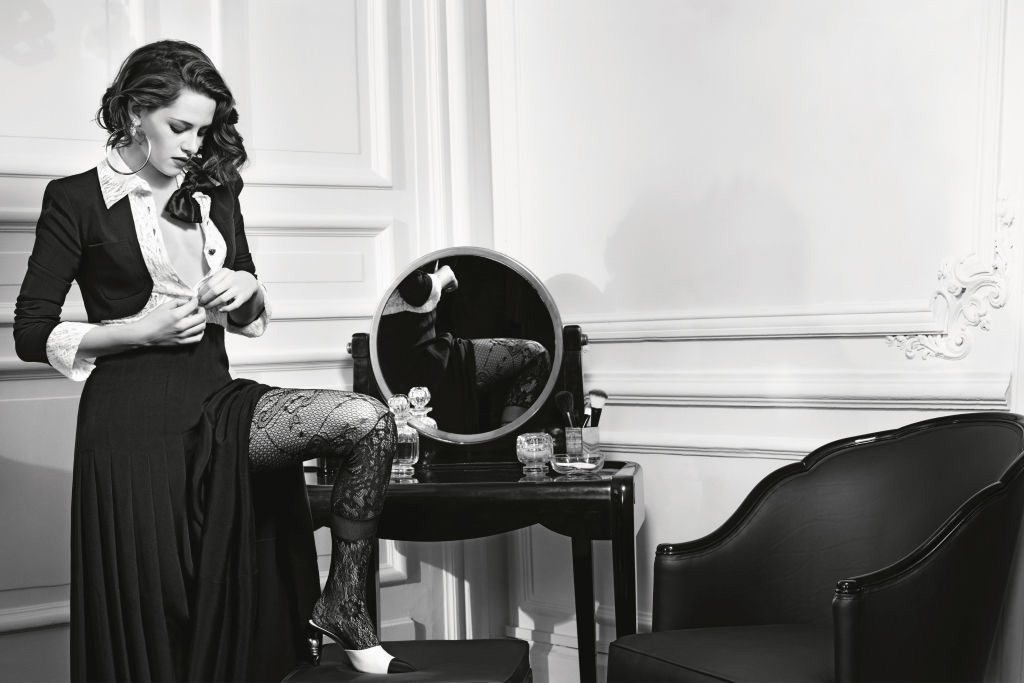 "Kristen Stewart Fronts Chanel's New ""Paris in Rome"" Campaign"