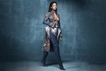 "Rihanna & Calvin Harris Drop ""This Is What You Came For"""