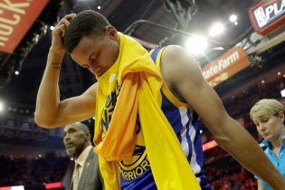 Stephen Curry Is Expected to Miss at Least Two Weeks With Sprained MCL