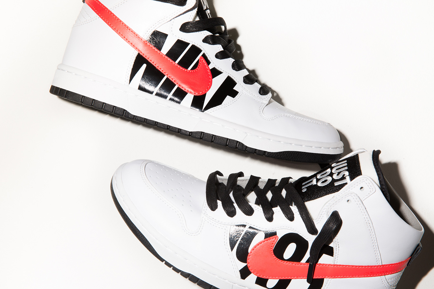 A Closer Look at the UNDEFEATED x NikeLab Dunk Lux