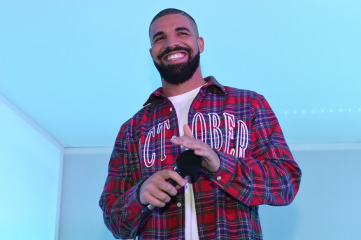 Drake Scheduled to Host 'Saturday Night Live' This Month