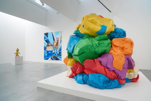 """A Look Inside Jeff Koons' """"Now"""" Exhibition at Damien Hirst's Newport Street Gallery"""